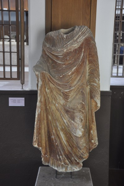 Statue of woman from Abydus
