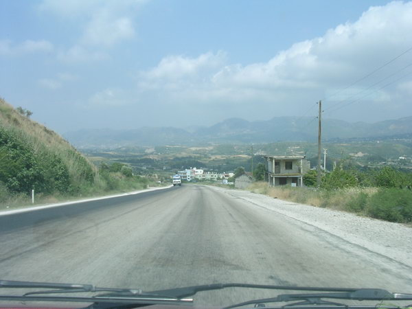 Road across the Nur Dağlari, the ancient Amanus Mountains.