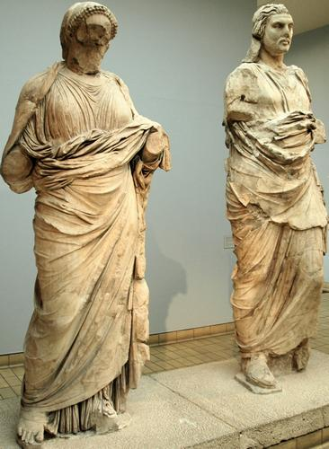 Mausoleum of Halicarnassus, portrait of a woman and believed to be Artemisia and Maussolus. British Museum, London (Britain)
