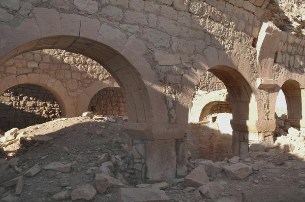 Suq al-Awty, Church, Arches (1)
