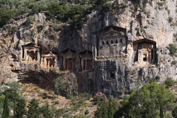 Kaunos, rock tombs