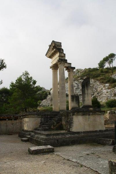 Glanum - Imperial temple