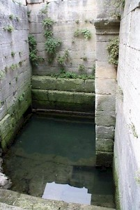 Glanum, sacred pool