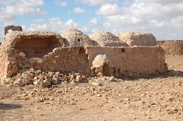 Reuse of an ancient site: the mosque in the Roman fort at Gheriat el-Garbia