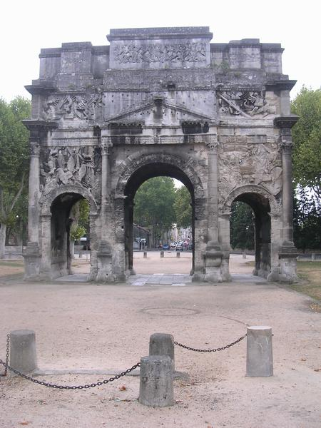 Orange, triumphal arch from the north.