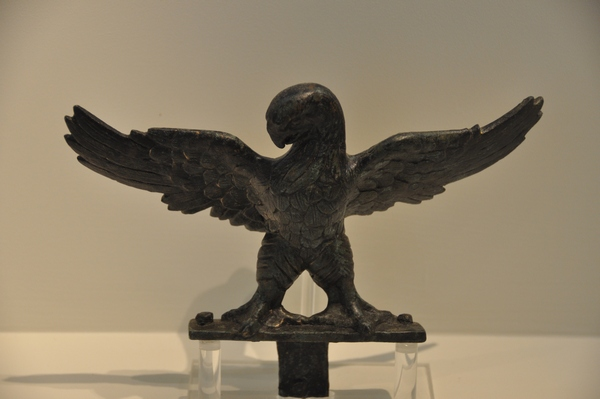 Pella, Bronze eagle