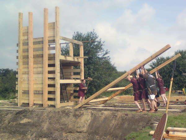Reconstructing the wall of the Kops Plateau at the 2008 Roman Festival.