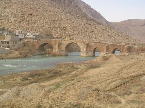 Behistun, Safavid bridge