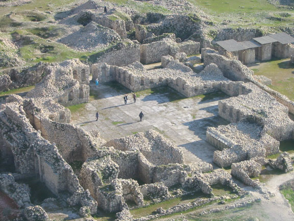 Bishapur, Palace, Cross-shaped Hall, aerial photo
