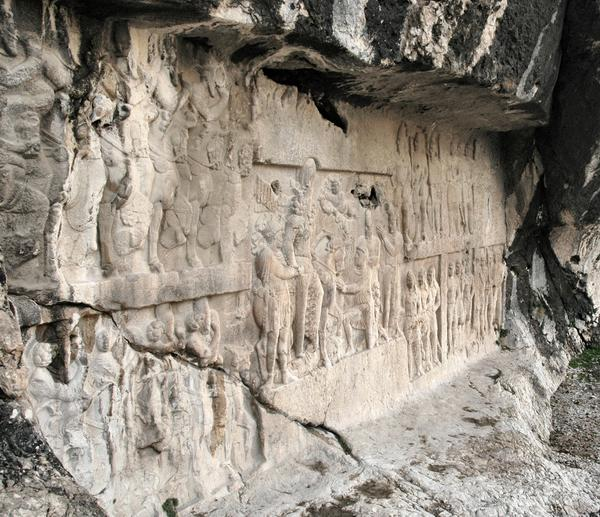 Bishapur, Relief 2, General view along the rocks