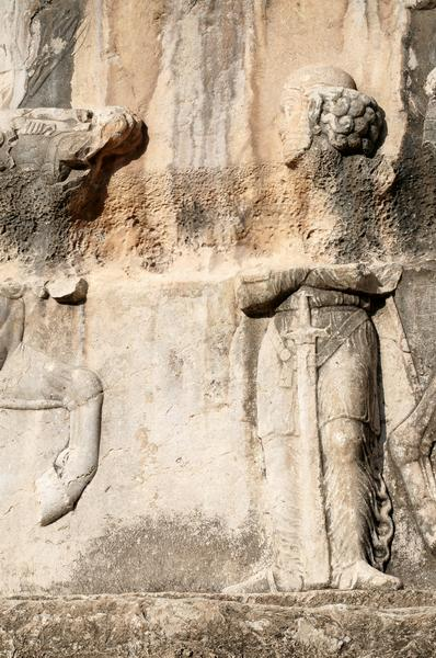 Bishapur, Relief 4, Persian guide of the Arab embassy