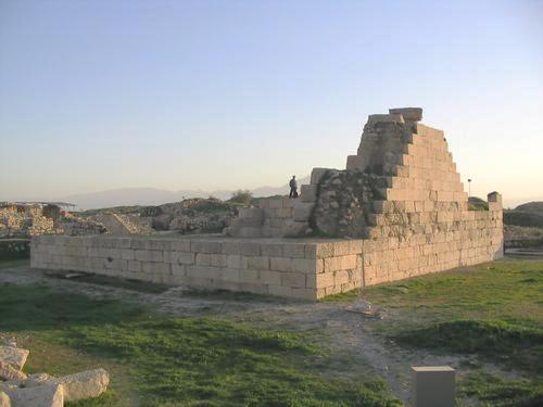 Bishapur, so-called Temple of Anahita, upper level