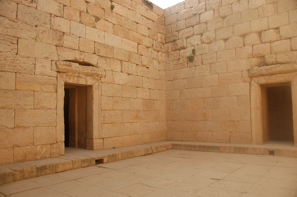 Bishapur, So-called Temple of Anahita, court and entrances