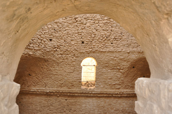 Firuzabad, Palace of Ardašir, one of the domes, seen from the gallery (2)