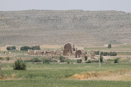 Firuzabad, Palace of Ardašir (seen from a distance)