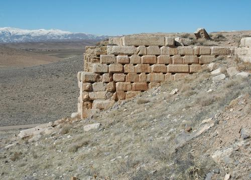 Pasargadae, Tall-e Takht, Southwest wall