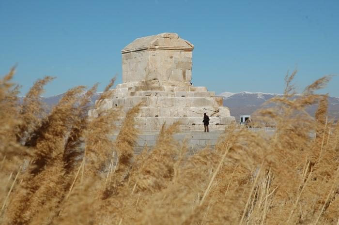 Tomb of Cyrus (2)