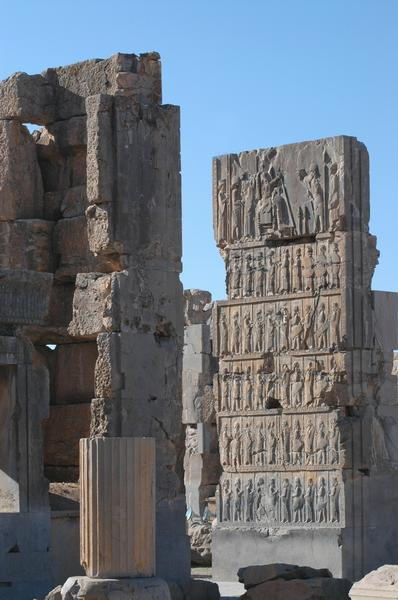 Persepolis, Hall of 100 Columns, SW gate (1)