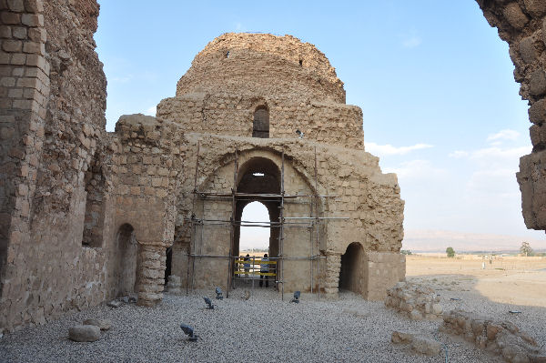 Sarvestan, small dome, general