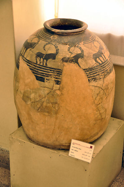 Tepe sialk, jar from the fourth millennium BCE