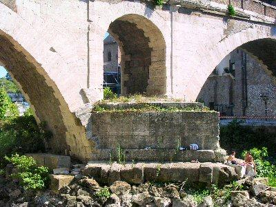 Rome, bridge of Fabricius, central arch