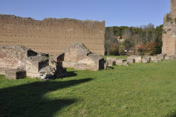 Rome, Circus of Maxentius, starting boxes