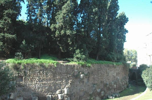 Mausoleum of Augustus, rotunda