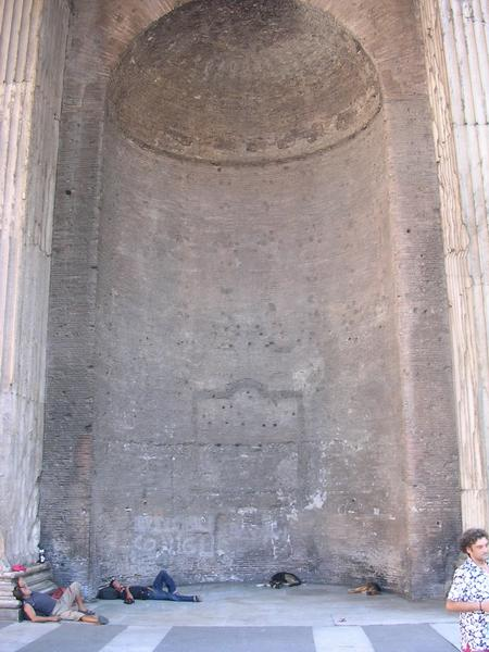 Pantheon (09), narthex