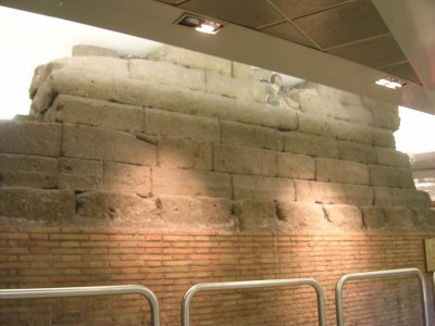 The Servian Wall, basement of the Central Station