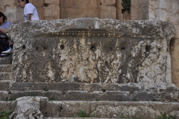 Baalbek, temple of Bacchus, cella, right parapet
