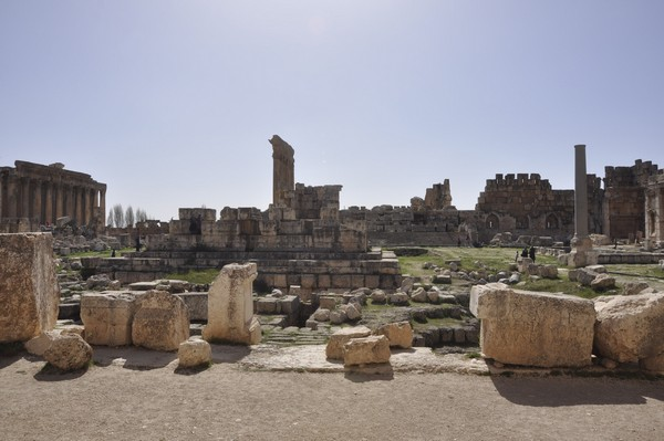 Baalbek, temple of Jupiter, Great Court (1)