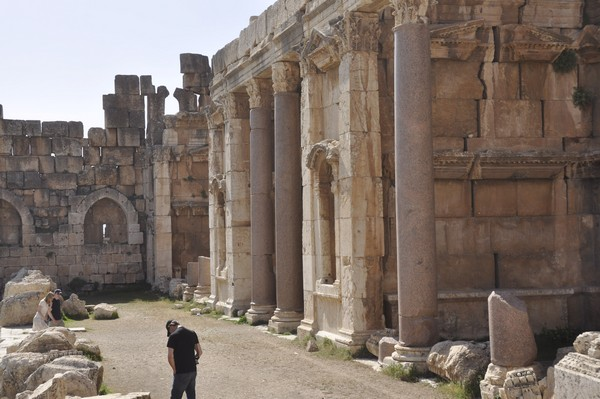 Baalbek, Temple of Jupiter, Great Court, North portico (4)