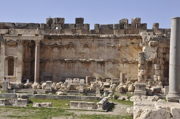 Baalbek, Temple of Jupiter, Great Court, North portico (3)