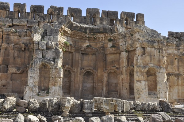 Baalbek, Temple of Jupiter, Great Court, South portico (1)