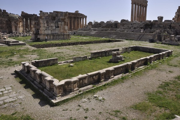 Baalbek, temple of Jupiter, Great Court, Northern Pool (1)
