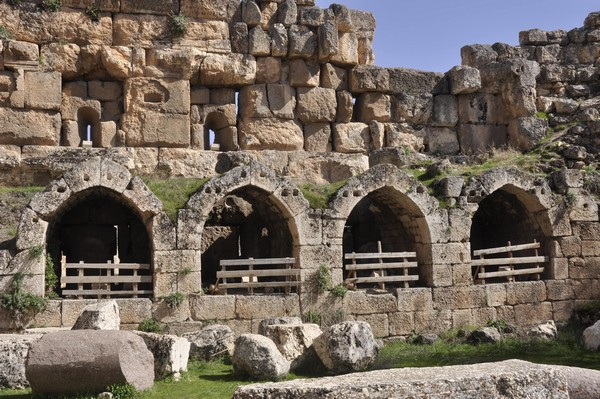 Baalbek, temple of Jupiter, Hexagonal Court (3)