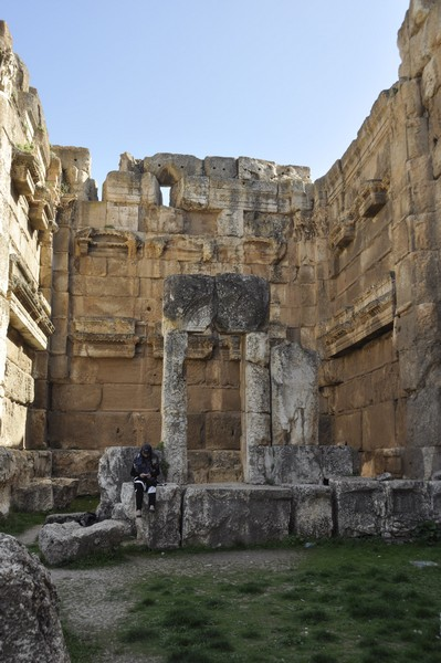 Baalbek, Temple of Jupiter, Propylaea (2)