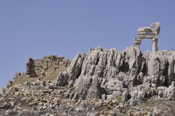 Faqra, temple of Adonis and rocks