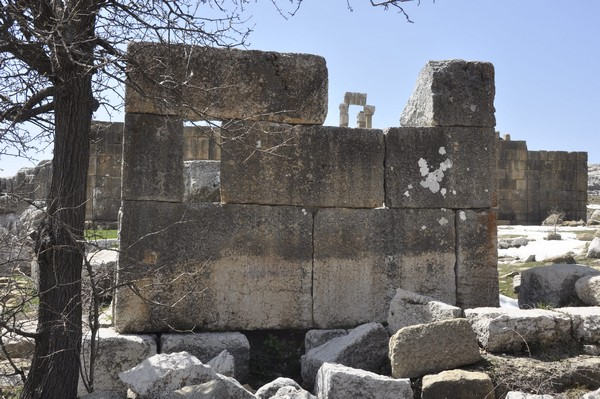 Faqra, Temple of Adonis, outer altar