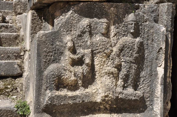 Niha, large temple, decoration, relief (2)