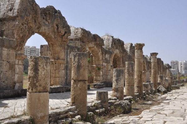 Tyre, Al-Bass, road and aquaduct