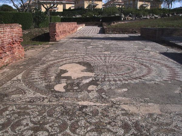 Augusta Emerita, House of the Amphitheater, spiral mosaic