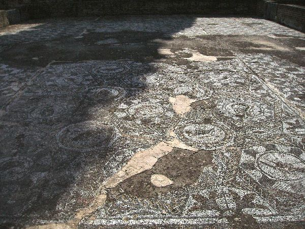 Augusta Emerita, House of the Amphitheater, fish mosaic