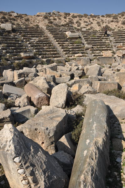 Cyrrhus, theater, seats