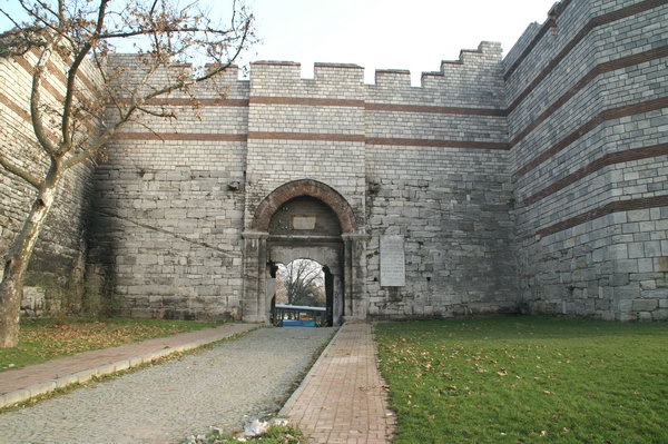 Constantinople, Theodosian Wall, Charisius Gate