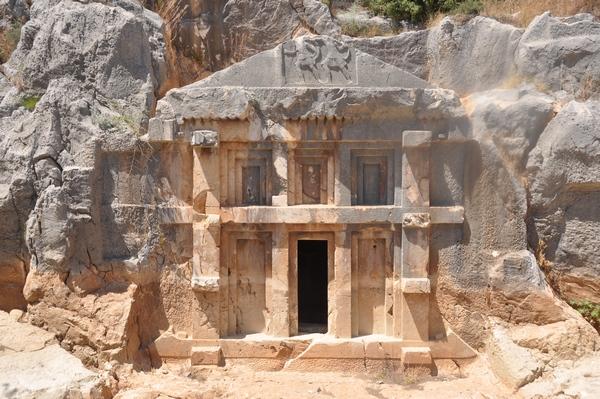 Myra, rock tombs (2) - Livius