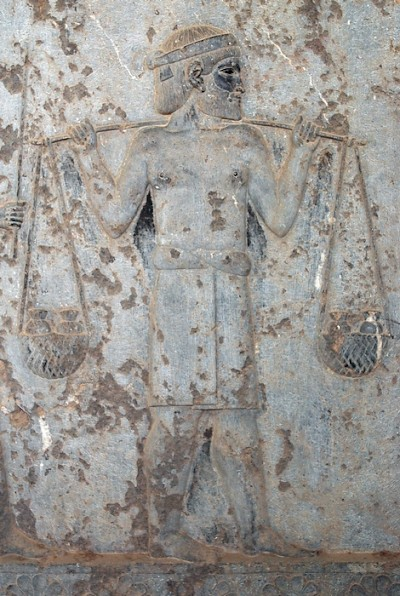 A man from Sindhu, carrying gold. Relief from the eastern stairs of the Apadana at Persepolis