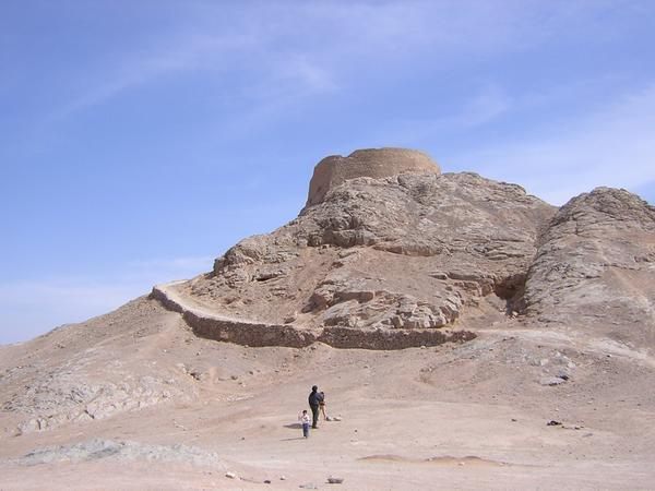 "Yazd, Southeastern ""tower of silence"" (2)"