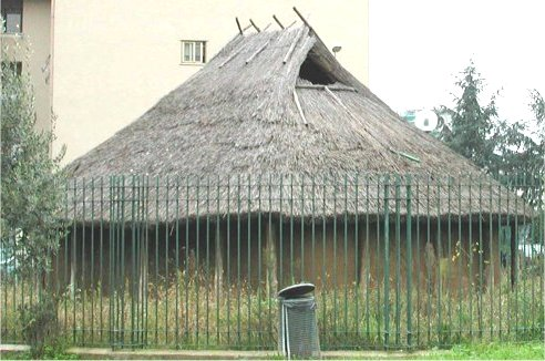 Fidenae, Reconstruction of an Iron Age hut