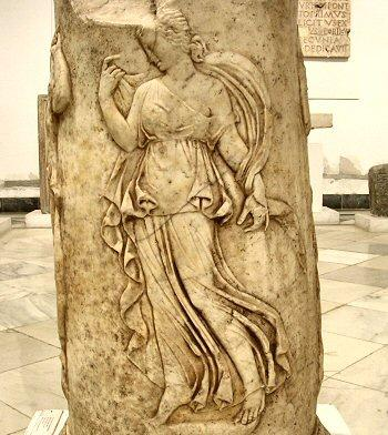 Italica, theater relief (4)